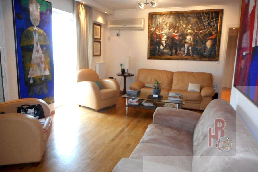 Διαμέρισμα στο Γέρακα, κοντά στην πλατεία