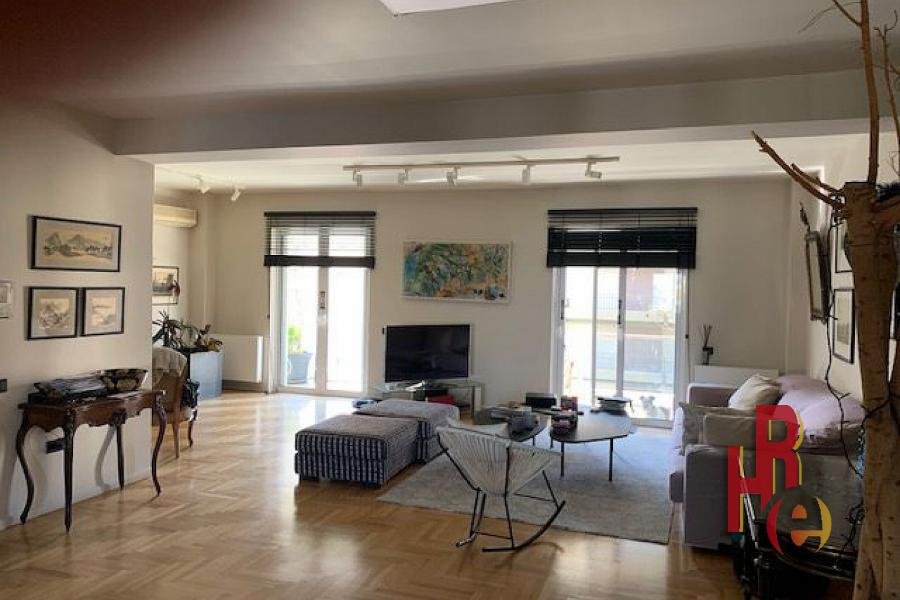 Διαμέρισμα στο Παλαιό Φάληρο, πολύ κοντά στο Φλοίσβο