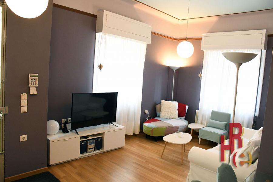 Ανακαινισμένο, επιπλωμένο ισόγειο διαμέρισμα στο Μετς