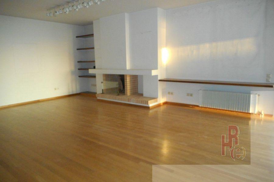 Διαμέρισμα 2 επιπέδων σε πολυτελές συγκρότημα στο Παλαιό Φάληρο