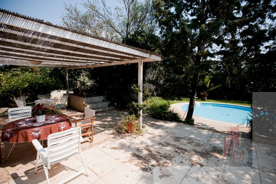 Μονοκατοικία στον Καρελλά στην Παιανία με πισίνα