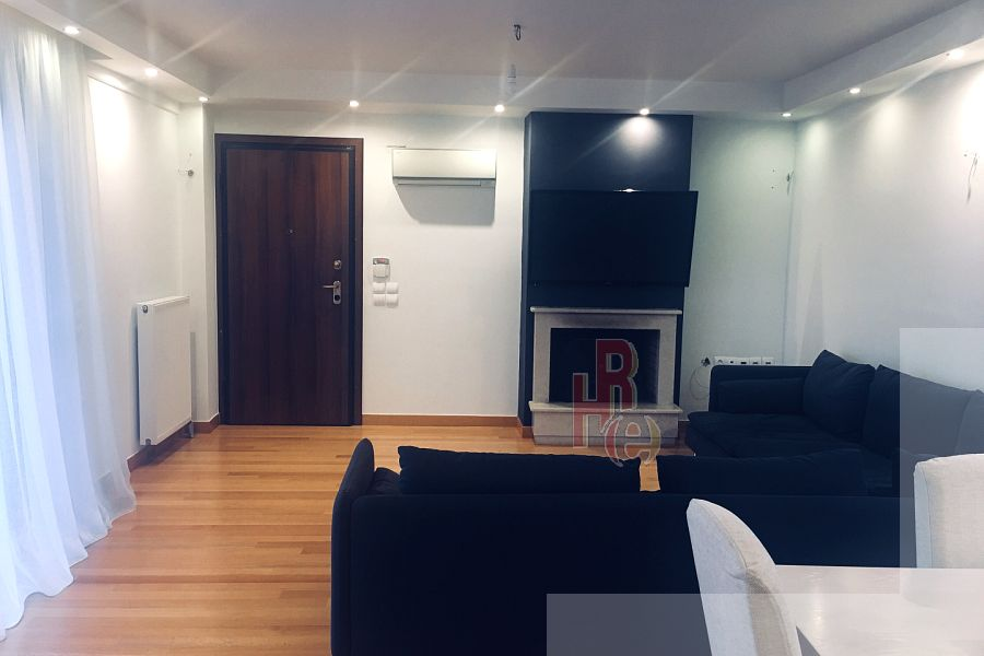 Διαμέρισμα στο κέντρο της Γλυφάδας με θέα