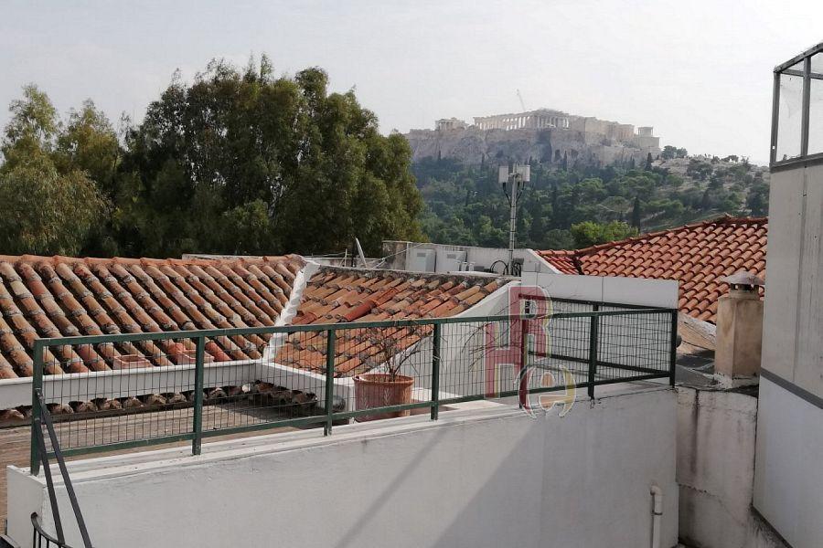 Διαμέρισμα σε διατηρητέο κτίριο στο Θησείο