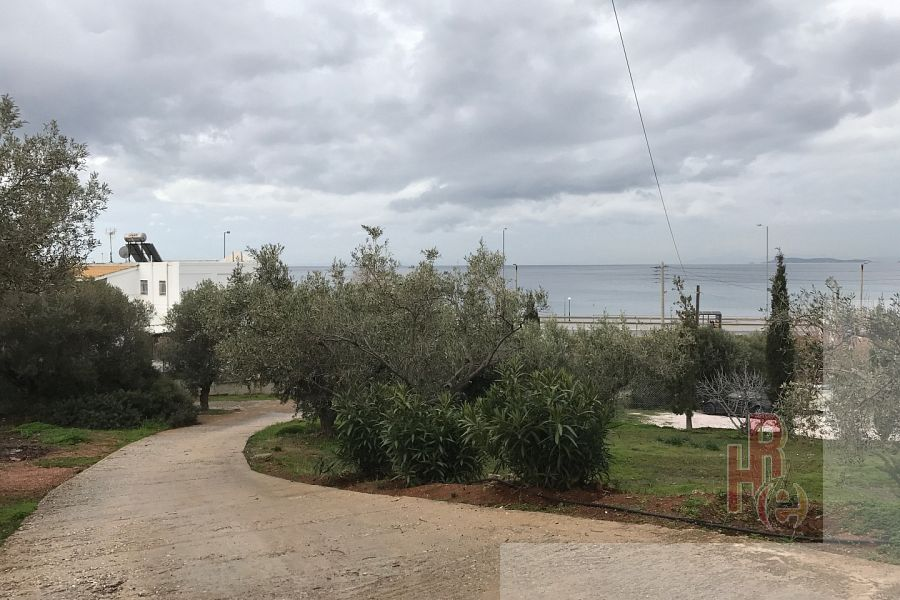 Οικόπεδο στην παραλία του Λαγονησίου με θέα θάλασσα