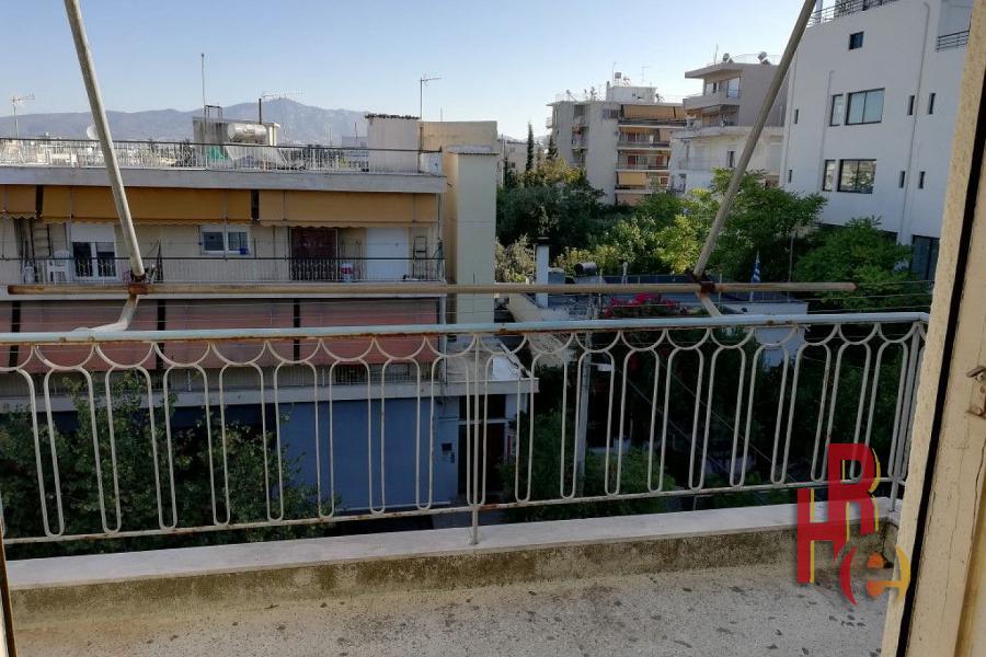 Γωνιακό διαμέρισμα στο Χολαργό, κοντά στο μετρό