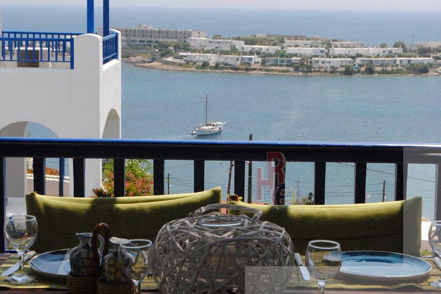 Διαμέρισμα στη Πουνταζέζα, με θέα θάλασσα και πισίνα.