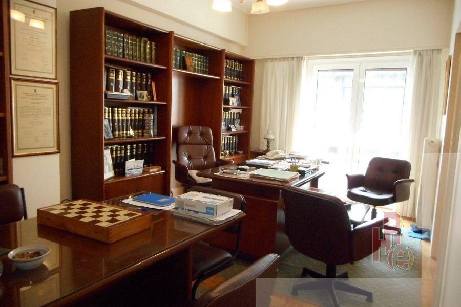 Γραφείο στον Κολωνάκι, κοντά στη Νομική Σχολή