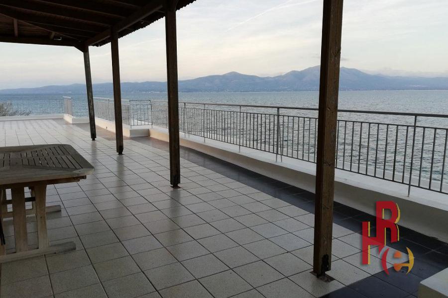 Πλήρως ανακαινισμένο διαμέρισμα στον Ωρωπό, παραλία Μαρκόπουλο