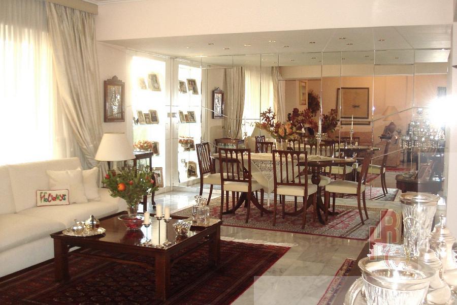 Πολυτελώς επιπλωμένο διαμέρισμα στο Μαρούσι