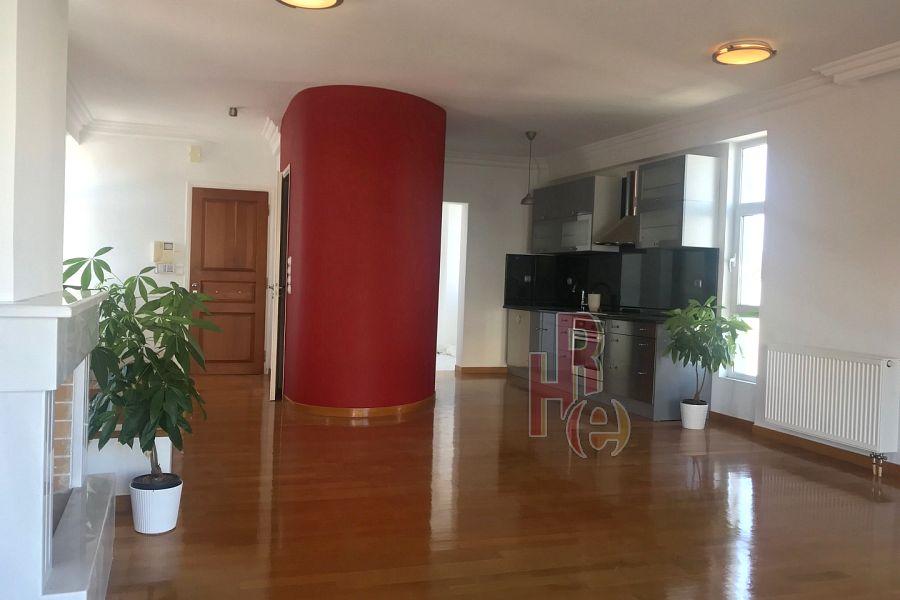 Διαμέρισμα στη Γλυφάδα κοντά στη Βουλιαγμένης