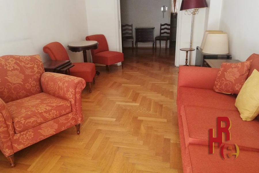 Vintage διαμέρισμα ανάμεσα στην Αττική και τον Άγιο Νικόλαο