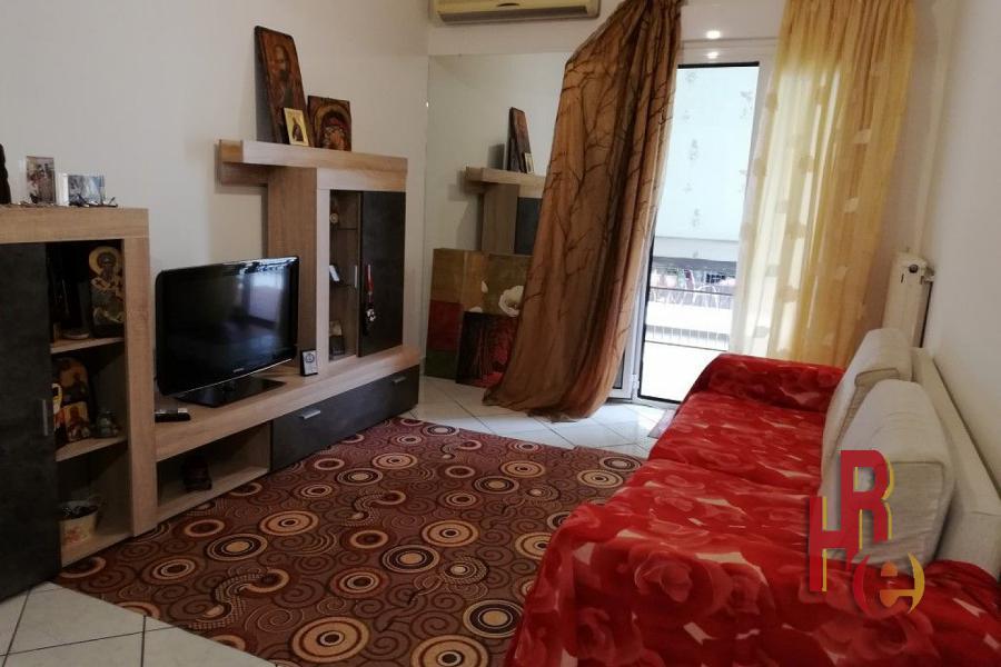 Ανακαινισμένο διαμέρισμα στην Καλλιθέα κοντά στην πλατεία Δαβάκη