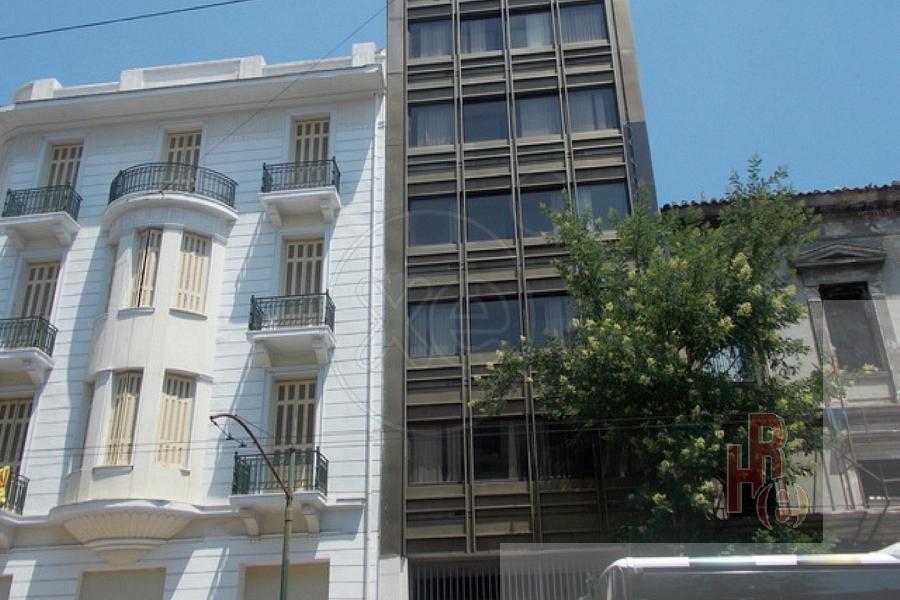 Κτίριο γραφείων στο κέντρο της Αθήνας, Πλατεία Βάθης
