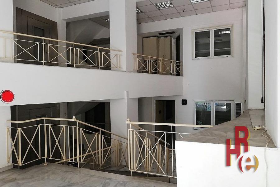 Ανακαινισμένο κτίριο στη Χαριλάου Τρικούπη, Εξάρχεια
